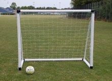 1 stk fodboldmaal lucky pro 183cm 684 small - Soccerplay.dk Hos Soccerplay.dk kan du købe fodboldmål, fodboldrebounder samt andet udstyr til spil i haven eller i fodboldklubben. Køb udstyr online idag.
