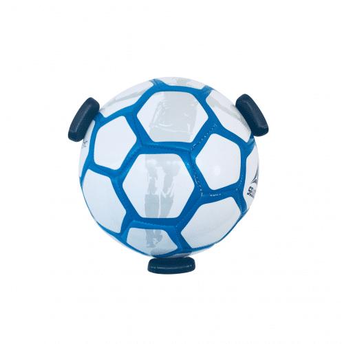 fodbold holder til væggen