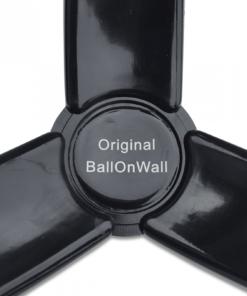 Holder til bolde i plast fra BallOnWall 11 - Soccerplay.dk Hos Soccerplay.dk kan du købe fodboldmål, fodboldrebounder samt andet udstyr til spil i haven eller i fodboldklubben. Køb udstyr online idag.