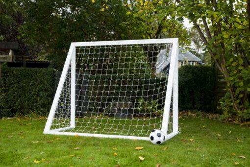 1 stk Fodboldmål Home Garden Pro 200 x 160 cm1 - Soccerplay.dk Hos Soccerplay.dk kan du købe fodboldmål, fodboldrebounder samt andet udstyr til spil i haven eller i fodboldklubben. Køb udstyr online idag.