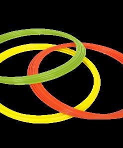 Koordinationsringe til løbe og koordinationsøvelser på fodboldbanen. Pakken indholder 12 stk ringe i mix farver. - 4 x limegrøn, 4 x orange, 4 x gul.