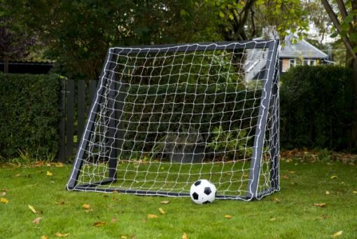 fodboldmål - Soccerplay.dk Hos Soccerplay.dk kan du købe fodboldmål, fodboldrebounder samt andet udstyr til spil i haven eller i fodboldklubben. Køb udstyr online idag.