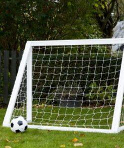 fodboldmål i træ til børn1 - Soccerplay.dk Hos Soccerplay.dk kan du købe fodboldmål, fodboldrebounder samt andet udstyr til spil i haven eller i fodboldklubben. Køb udstyr online idag.