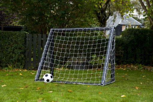 træ fodboldmål i sort træ. - Soccerplay.dk Hos Soccerplay.dk kan du købe fodboldmål, fodboldrebounder samt andet udstyr til spil i haven eller i fodboldklubben. Køb udstyr online idag.