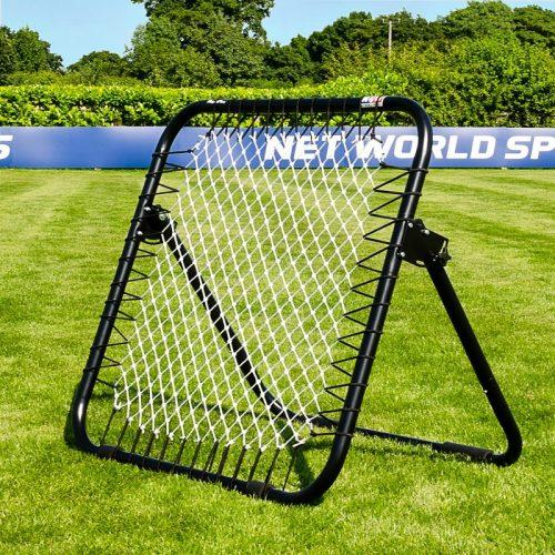 Kraftig og solid fodbold rebounder til haven. Utrolig alsidigt og kraftig fodbold træningsredskab til udendørs brug. Ideelt til børne- og ungdomstræning til fremme af boldfølelsen ved sparketeknikker, gribe og kaste - alene eller to skiftevis.