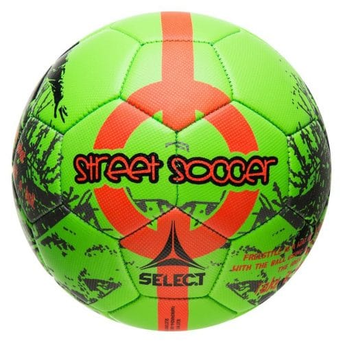 Bolden har et lavere og mere kontrolleret opspring end alm. Select fodbolde, og er derfor extra god til spil på gaden eller i skolegården.