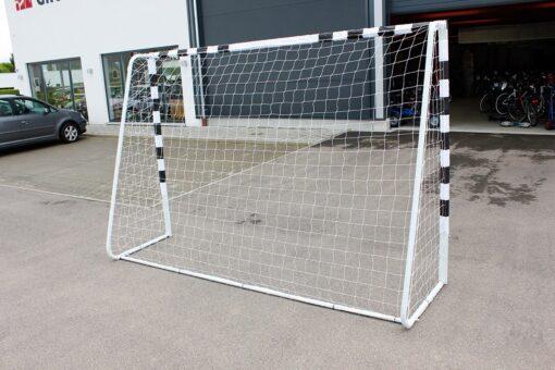fodboldmål3 - Soccerplay.dk Hos Soccerplay.dk kan du købe fodboldmål, fodboldrebounder samt andet udstyr til spil i haven eller i fodboldklubben. Køb udstyr online idag.