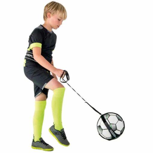 replay junior fodbold.jpg1 - Soccerplay.dk Hos Soccerplay.dk kan du købe fodboldmål, fodboldrebounder samt andet udstyr til spil i haven eller i fodboldklubben. Køb udstyr online idag.