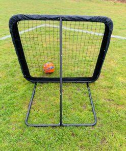 IMG 3290 - Soccerplay.dk Hos Soccerplay.dk kan du købe fodboldmål, fodboldrebounder samt andet udstyr til spil i haven eller i fodboldklubben. Køb udstyr online idag.