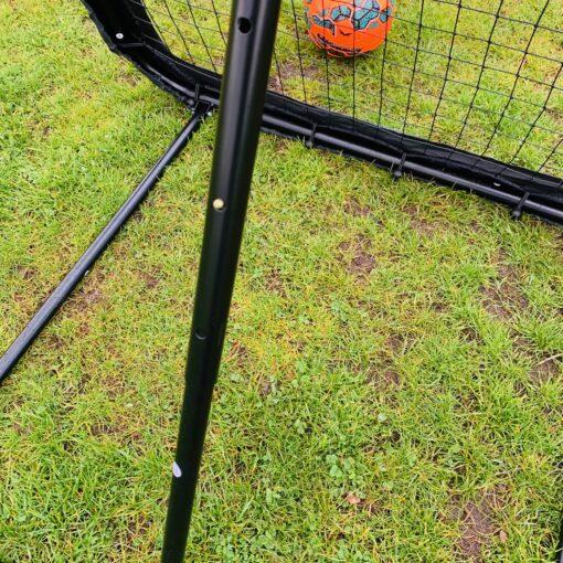 IMG 3293 - Soccerplay.dk Hos Soccerplay.dk kan du købe fodboldmål, fodboldrebounder samt andet udstyr til spil i haven eller i fodboldklubben. Køb udstyr online idag.