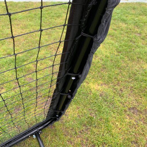 IMG 3294 - Soccerplay.dk Hos Soccerplay.dk kan du købe fodboldmål, fodboldrebounder samt andet udstyr til spil i haven eller i fodboldklubben. Køb udstyr online idag.