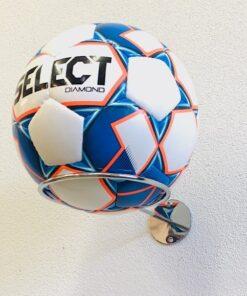chrome boldholder2 - Soccerplay.dk Hos Soccerplay.dk kan du købe fodboldmål, fodboldrebounder samt andet udstyr til spil i haven eller i fodboldklubben. Køb udstyr online idag.