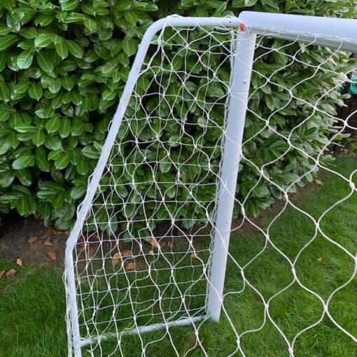 IMG 6229 - Soccerplay.dk Hos Soccerplay.dk kan du købe fodboldmål, fodboldrebounder samt andet udstyr til spil i haven eller i fodboldklubben. Køb udstyr online idag.