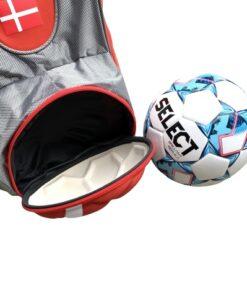 IMG 7319 - Soccerplay.dk Hos Soccerplay.dk kan du købe fodboldmål, fodboldrebounder samt andet udstyr til spil i haven eller i fodboldklubben. Køb udstyr online idag.